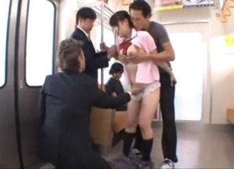 電車で徐々に痴漢する男が増えていきレイプまでされる制服美少女