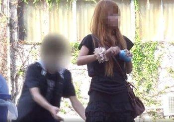 路上でノーパンお姉さんのスカート下げや痴漢する動画