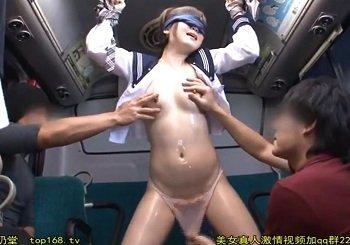 バスでヌルヌルにされ潮吹きしながら陵辱痴漢される制服美少女