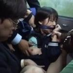 バスで凄まじい集団痴漢レイプされたJKが中出し輪姦される動画