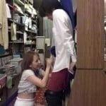 本屋で若い男を見かけては逆痴漢して楽しむ美人お姉さん