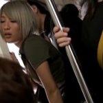 いつも電車で痴漢してくる男に焦らされチンポをおねだりする美女