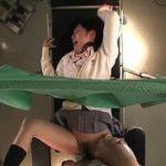 診察は名ばかりで変態行為を次々としながらJKを官能へ陥れる産婦人科医動画
