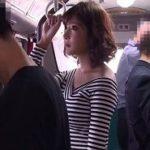 むちむちエロボディお姉さんがバスでバイブ突っ込み羞恥痴漢される動画