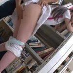 足がキレイで顔も可愛い!テニス部女子の図書館痴漢お漏らし動画