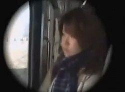 清純そうな可愛いJKが電車で鬼畜ハメ痴漢レイプされる動画