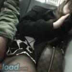 泥酔お姉さんがグッタリ姿で電車相席痴漢される動画