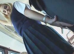 ハイスクールバスで1番可愛い金髪JKに逆痴漢される動画