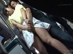 バスでチカンされた美女がチュッポン中出しされる