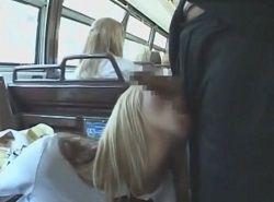 わざとハイスクールバスに乗ったら逆痴漢してきた金髪JK