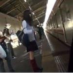 巷で人気の電車痴漢制服女子盗撮えっちな動画