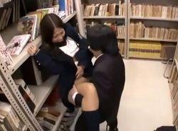 チカンされたJKや司書が図書館で激しくハメられる