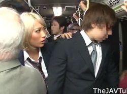 バスで痴漢してる男を捕まえたらトイレでチカンレイプされるJK