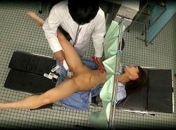 診断するフリして変態医師から女性器をイジリ倒される巨乳女子