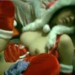 クリスマスパーティのサンタ衣装合わせ中に睡眠チカンレイプされる巨乳お姉さん