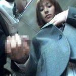 間違えたフリして女子校通学バスに乗り込んだら逆痴漢する痴女JKに遭遇!!