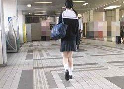 無垢すぎる幼いJKを駅トイレに連れ込み中出し証明姦